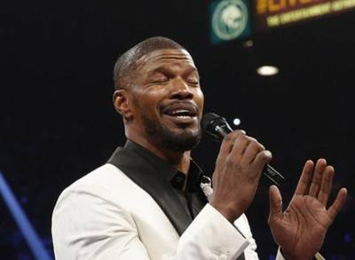 News video: Jamie Foxx Defends His Rendition of the National Anthem